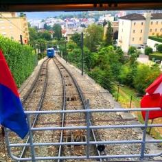 kereta tambang (standsailbahn) merayap naik